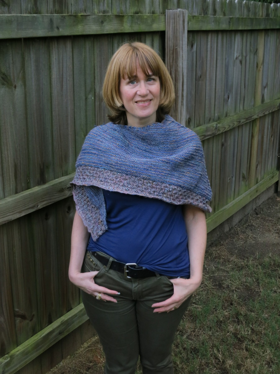 free-knitting-pattern-lightweight-textured-shawl
