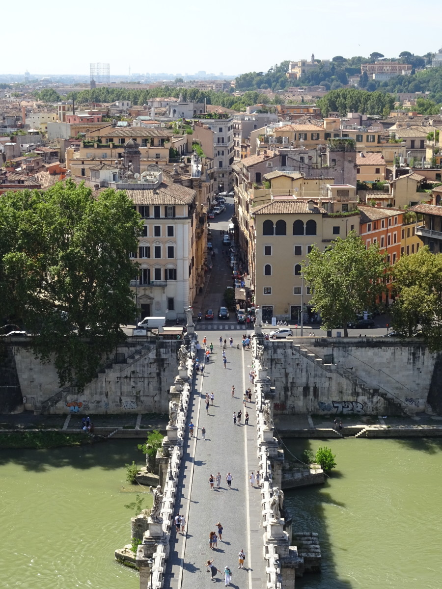 Ponte Sant'Angelo is a main artery into the center of Rome