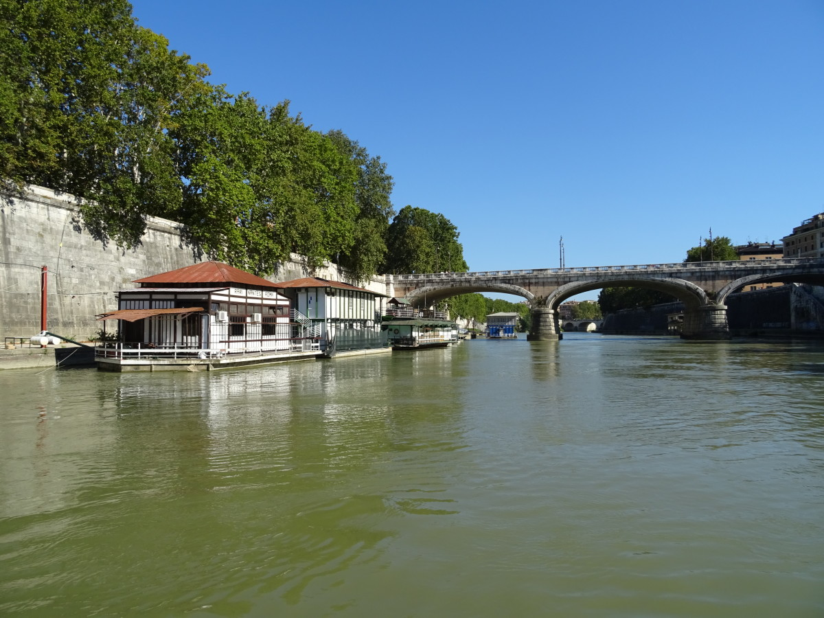 A boat trip on the Tiber in Rome is a relaxing way to take in the atmoshere