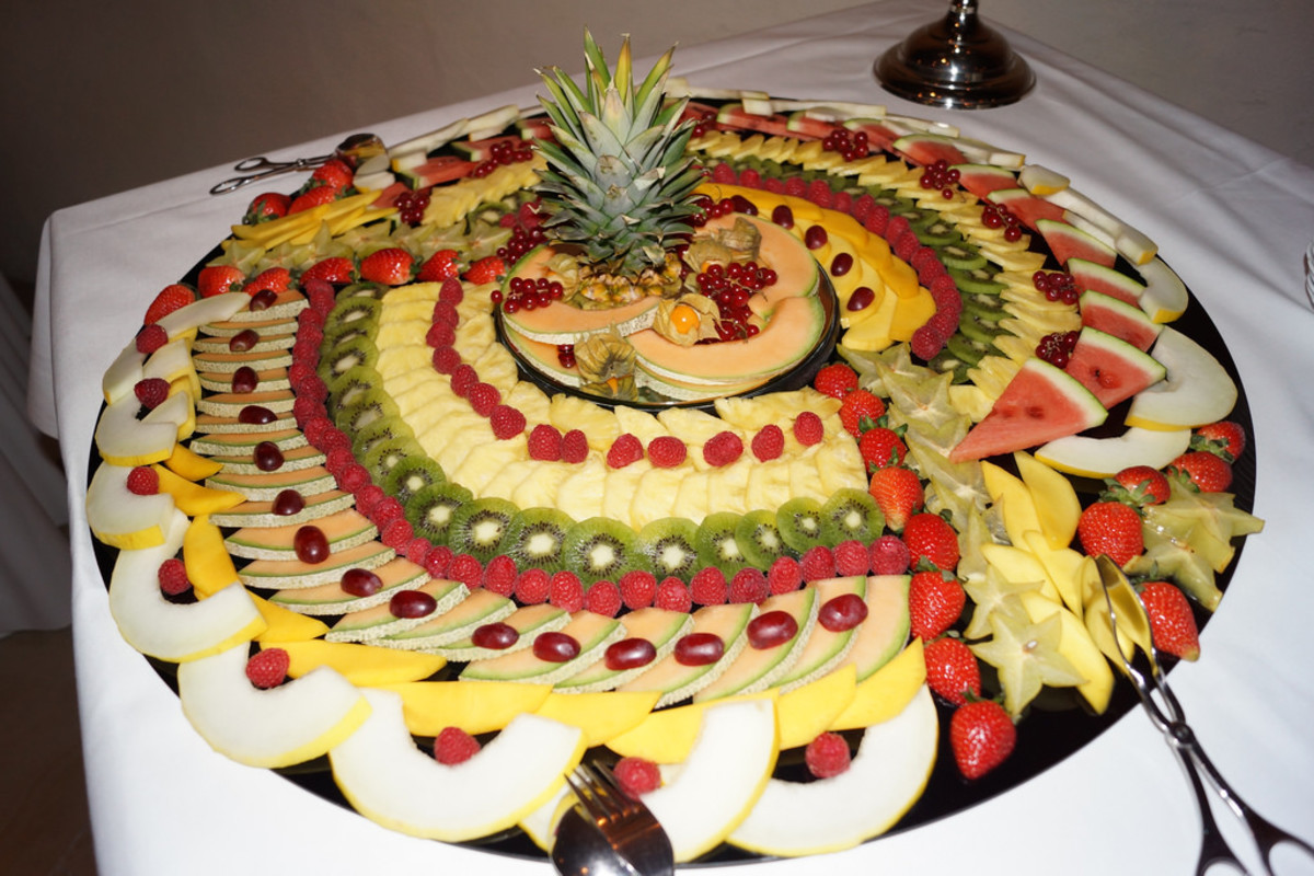 I call this one 'the Mother of all fruit trays'