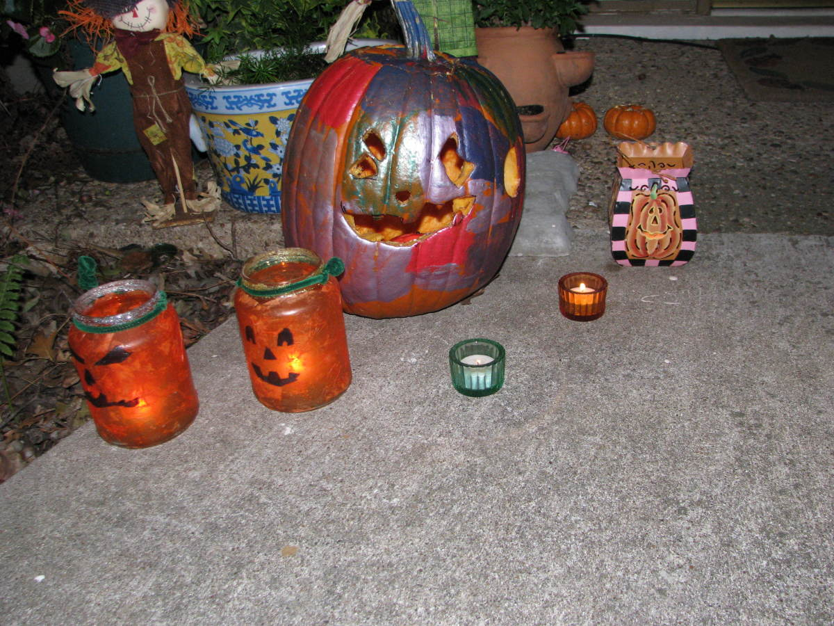 Painted pumpkin and jar pumpkins in a flash.