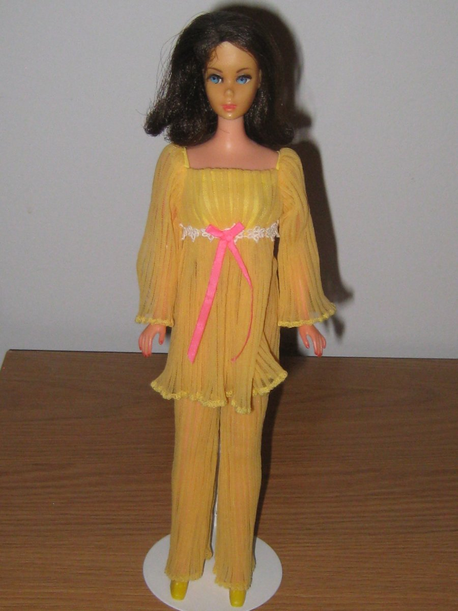 Barbie in Lemon Kick