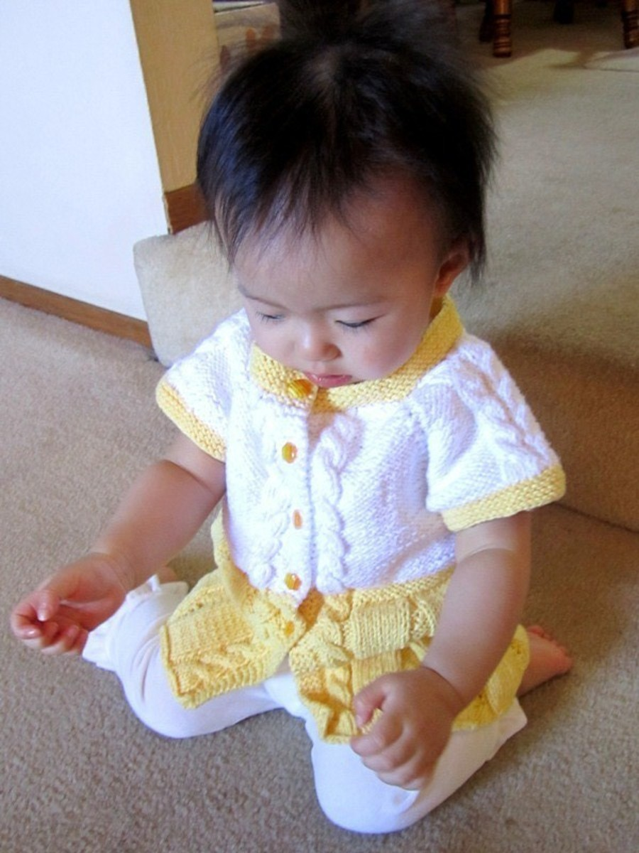 Seamless Yellow Baby Sweater Dress. Free Knitting Pattern!