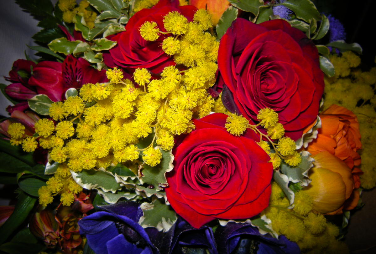 Red Roses Autumn Bouquet of Flowers