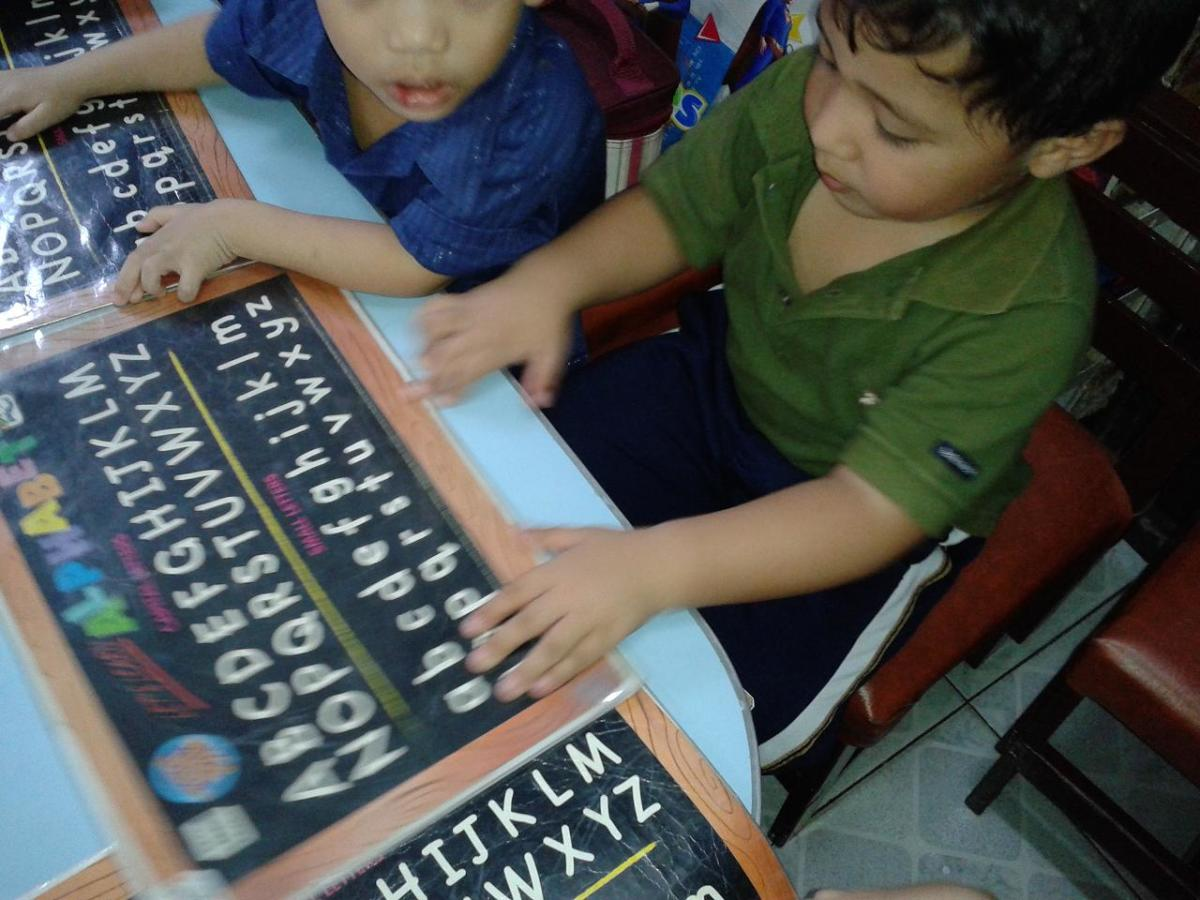 how-to-teach-basic-reading-skills-to-non-english-speaking-children
