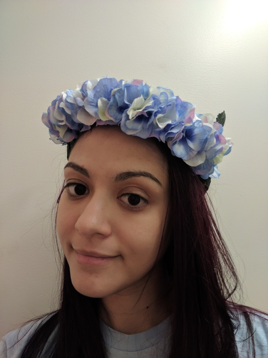 Bunching up flowers on flower crowns makes them look fuller and prettier.