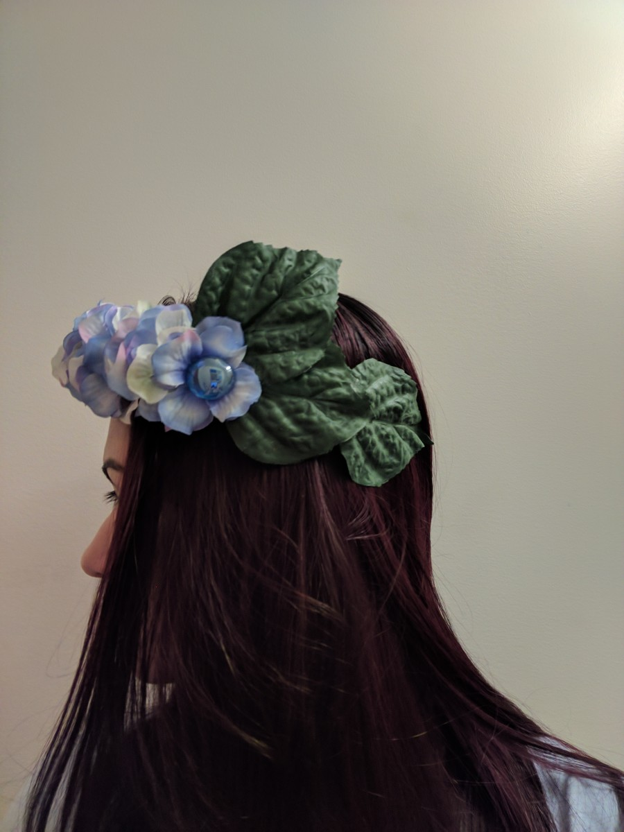 I extended the visible length of the head band by placing the leaves so that they would go past where the headband ended.