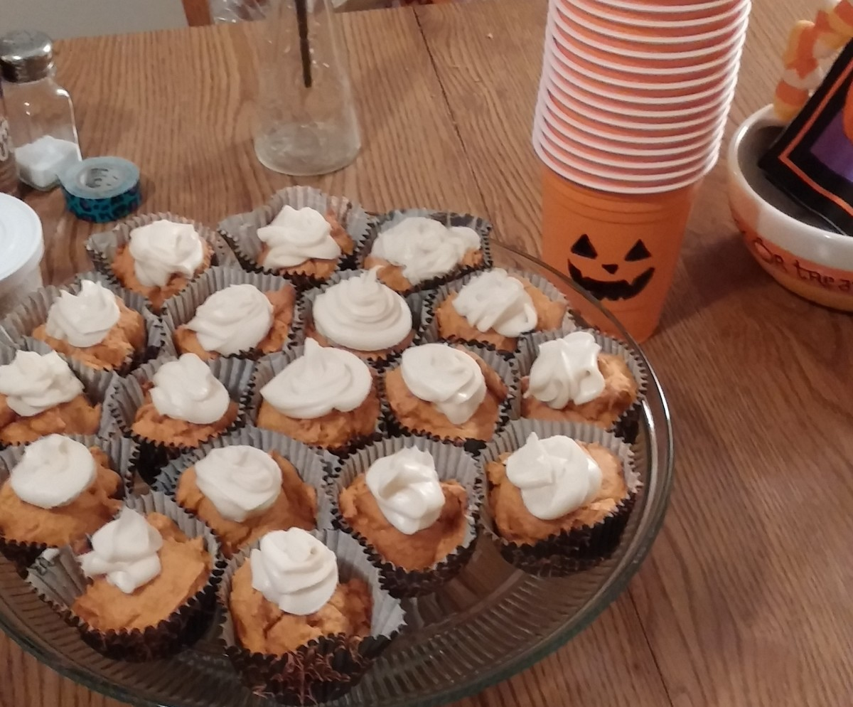 Crazy Easy Pumpkin Cupcakes