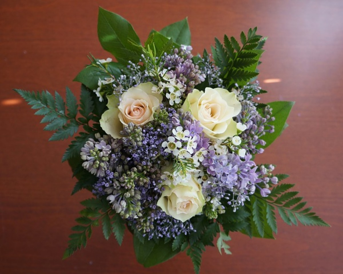 Picture of White Roses and Other Flowers