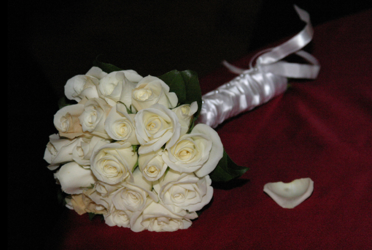 Bridal Bouquet of White Roses Picture