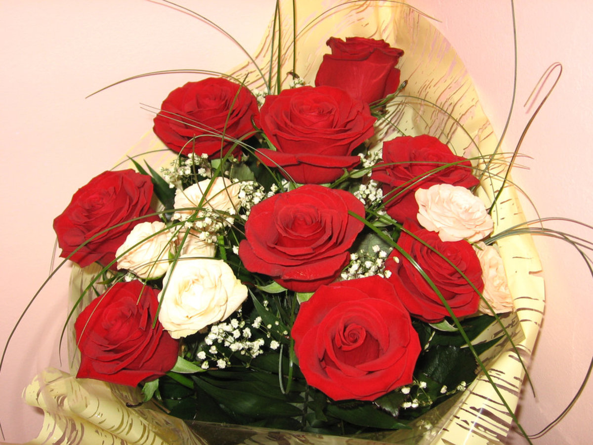 Basket of Red Roses Bouquet Photo