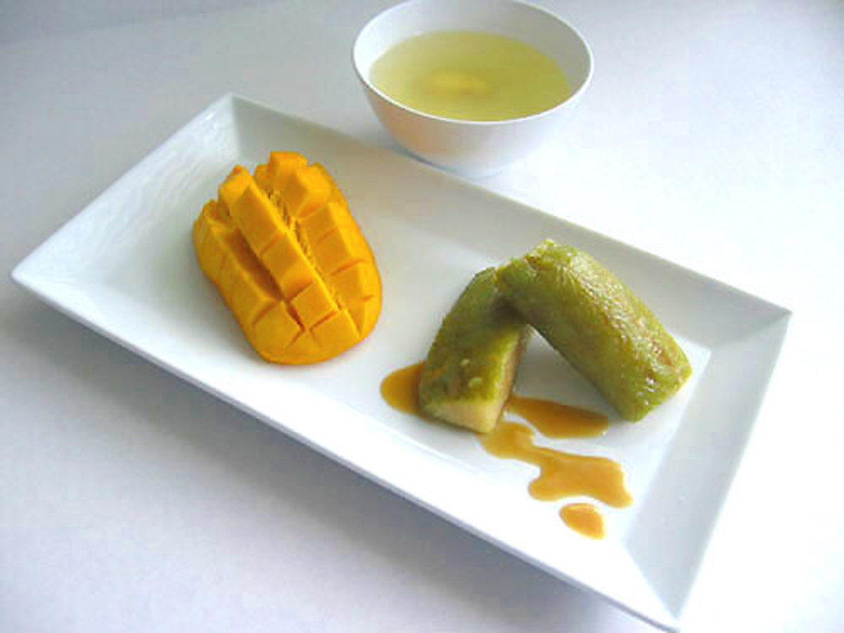 Rice Cake and Ripe Mango Snack (Photo courtesy by museinthecity from Flickr.com)