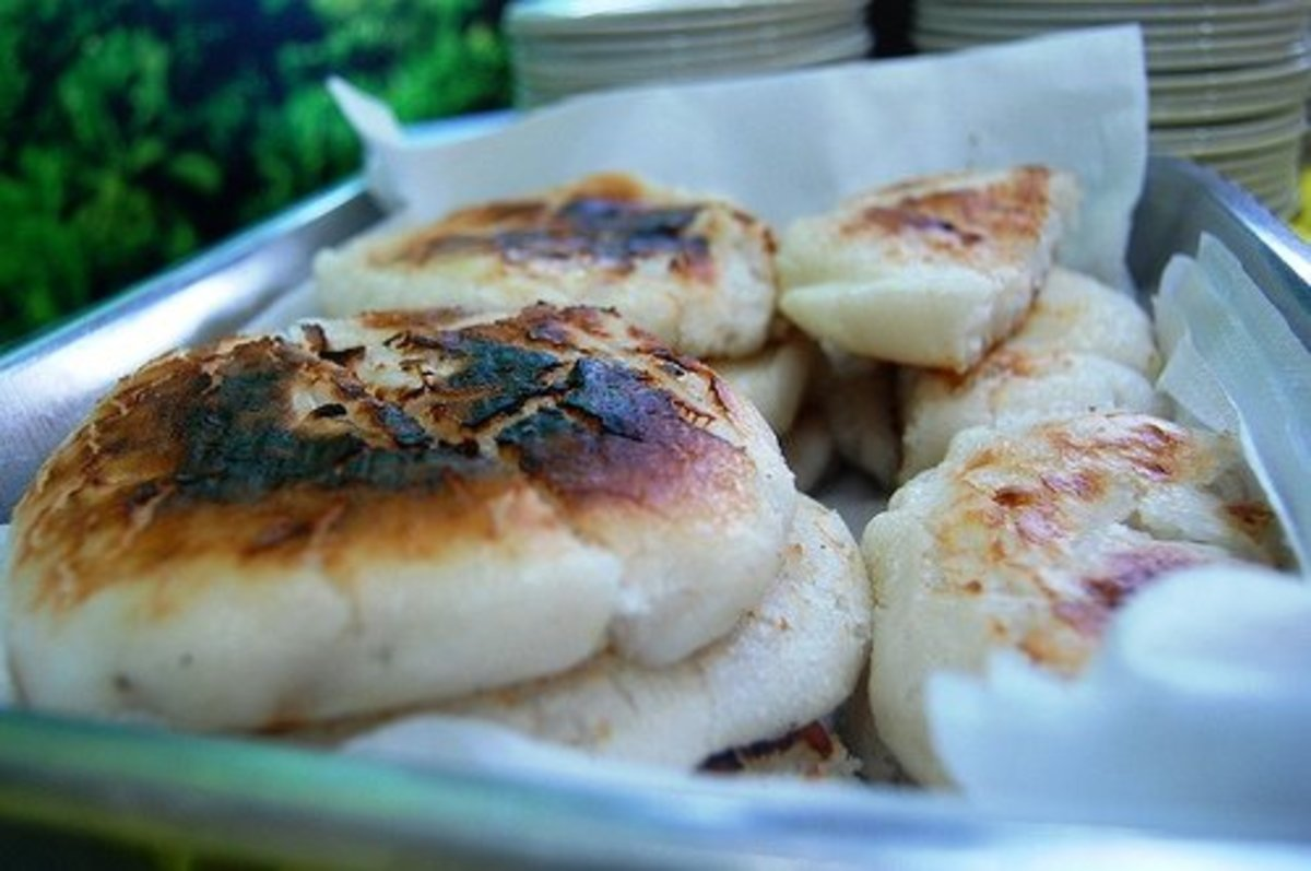 Bibingka - Grilled Rice Cake (Photo courtesy by georgeparrilla from Flickr.com)