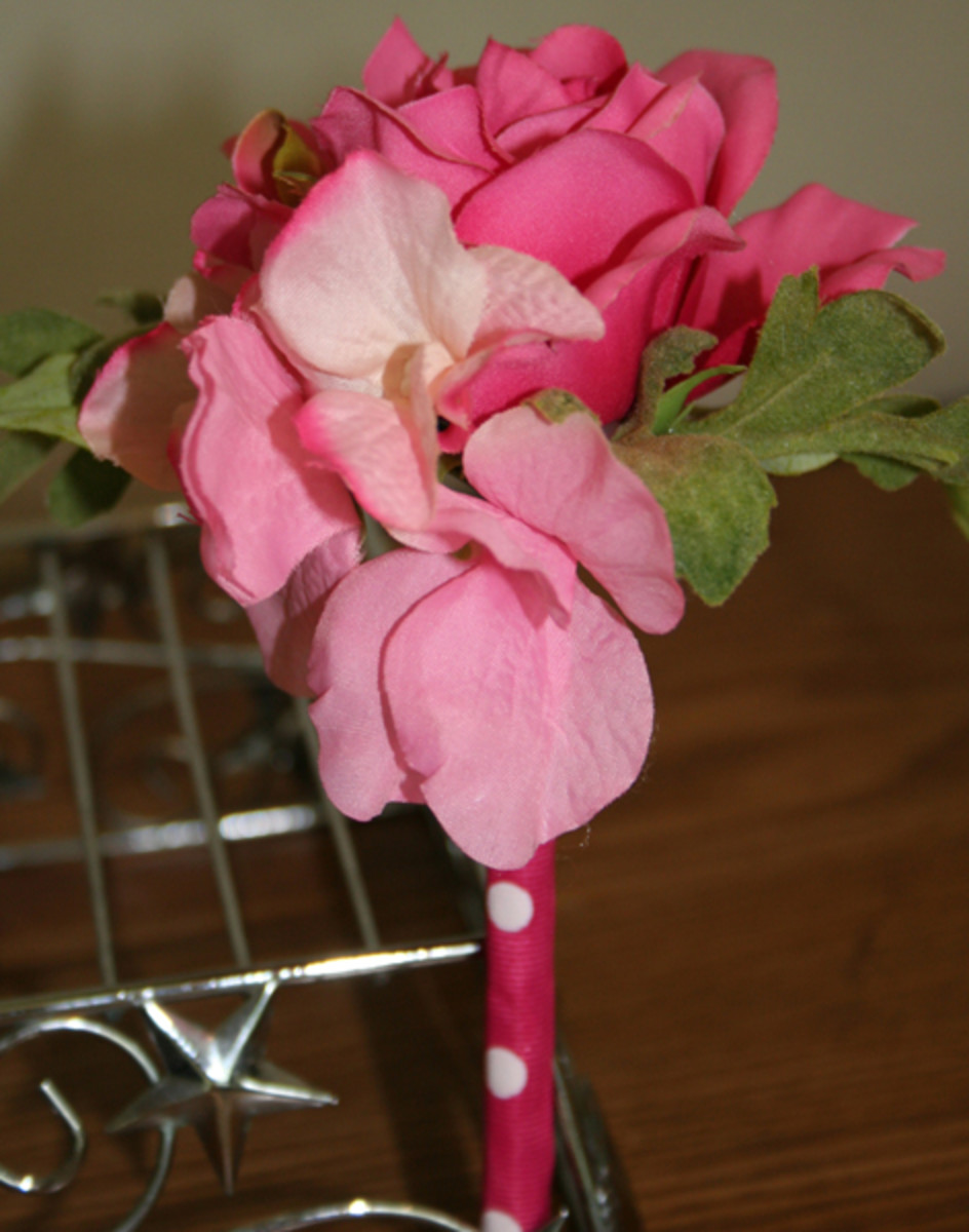 how-to-make-your-own-flower-pens-and-girly-pens-2