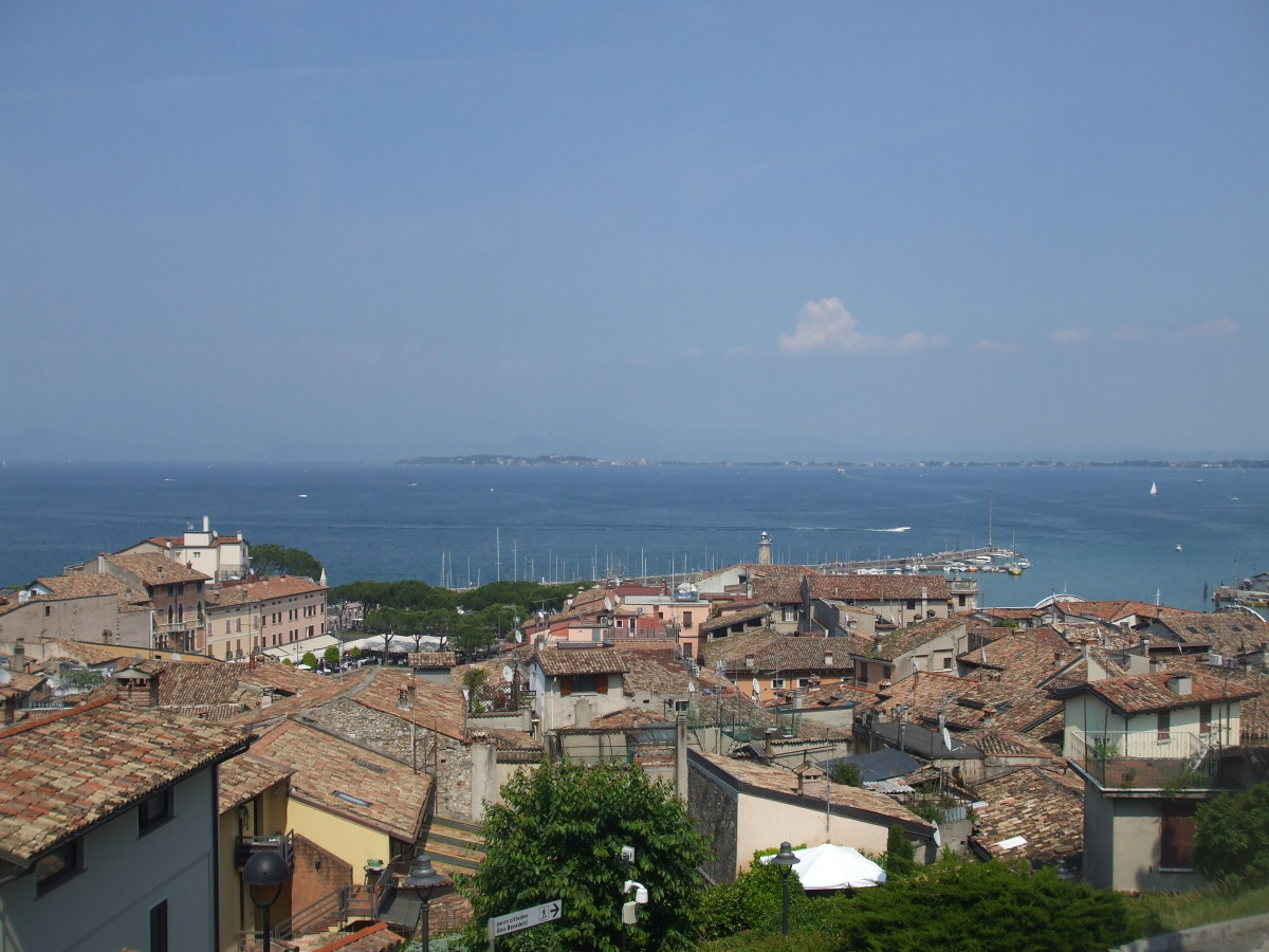 View over the rooftops to the bay