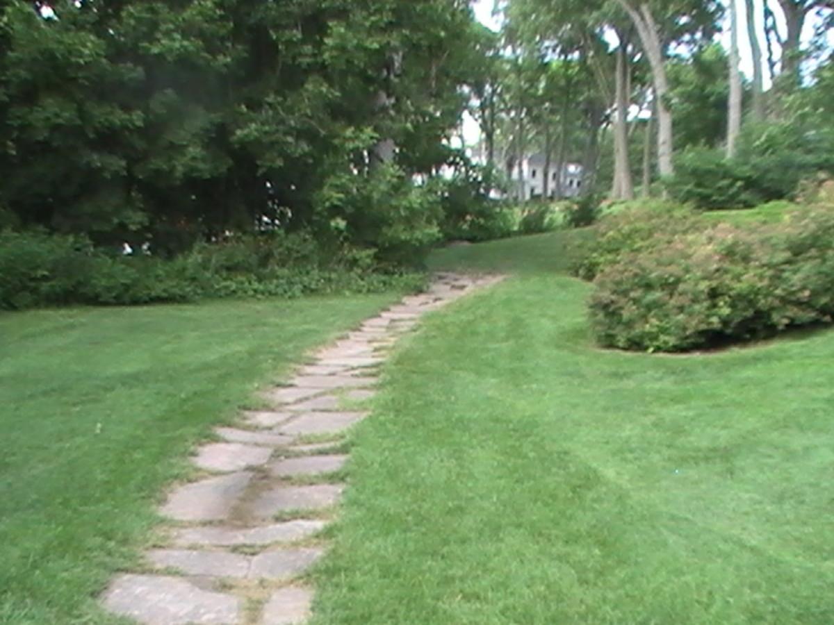 Geneva Lake Pathway - cobbled stones with gentle curve