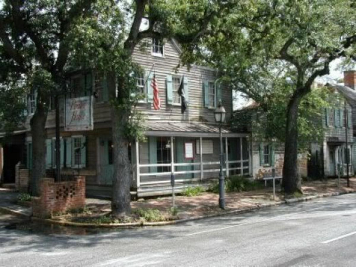 The Pirates House in Savannah Georgia was built in 1753 and is supposed to be one of Georgia's most haunted locations.