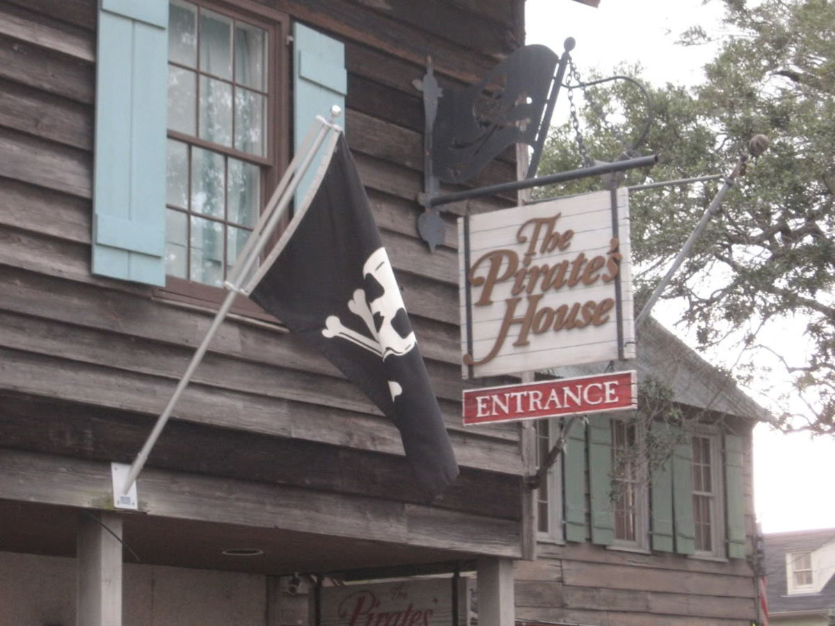The Pirates House , Savannah Georgia