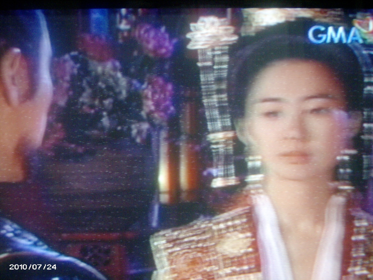 Queen Seon Deok asking yushin if he is not disheartened,