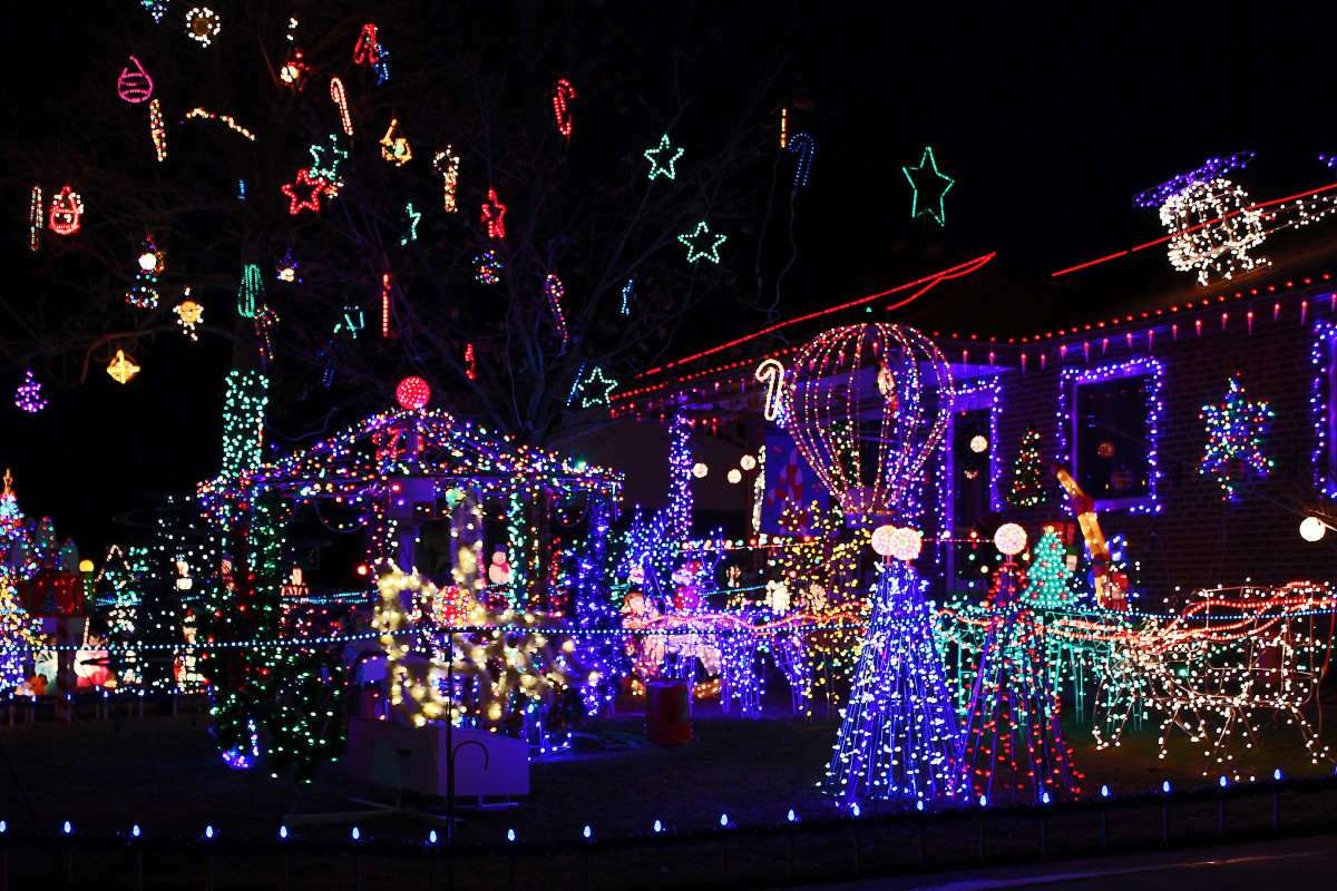 Kloewer house--Holiday and Christmas Lights in Littleton