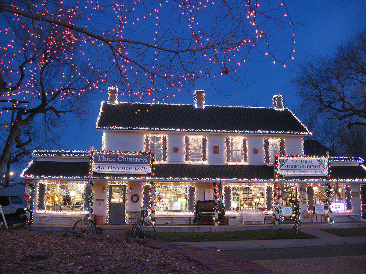 Lighted shops--Holiday and Christmas Lights in Littleton