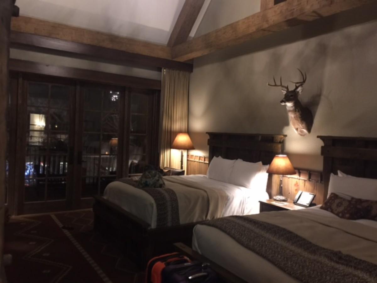 hotel-in-a-bass-pro-shop-big-cypress-lodge-memphis-tn