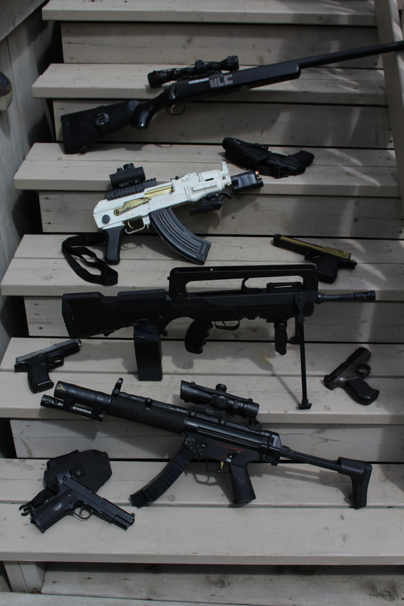 A selection of Airsoft guns