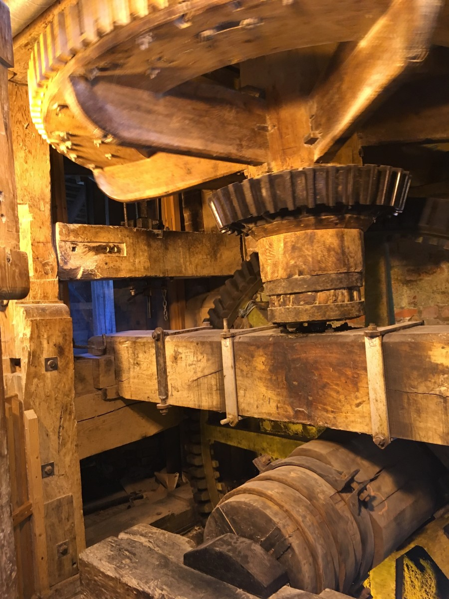 The inner cogs of the working mill
