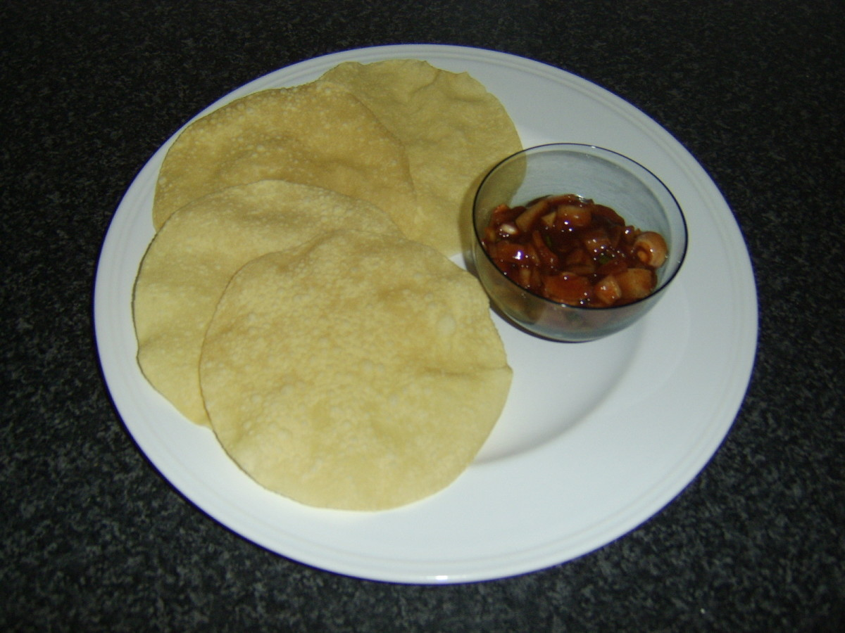 Easy Indian Spiced Onions Served with Poppadoms