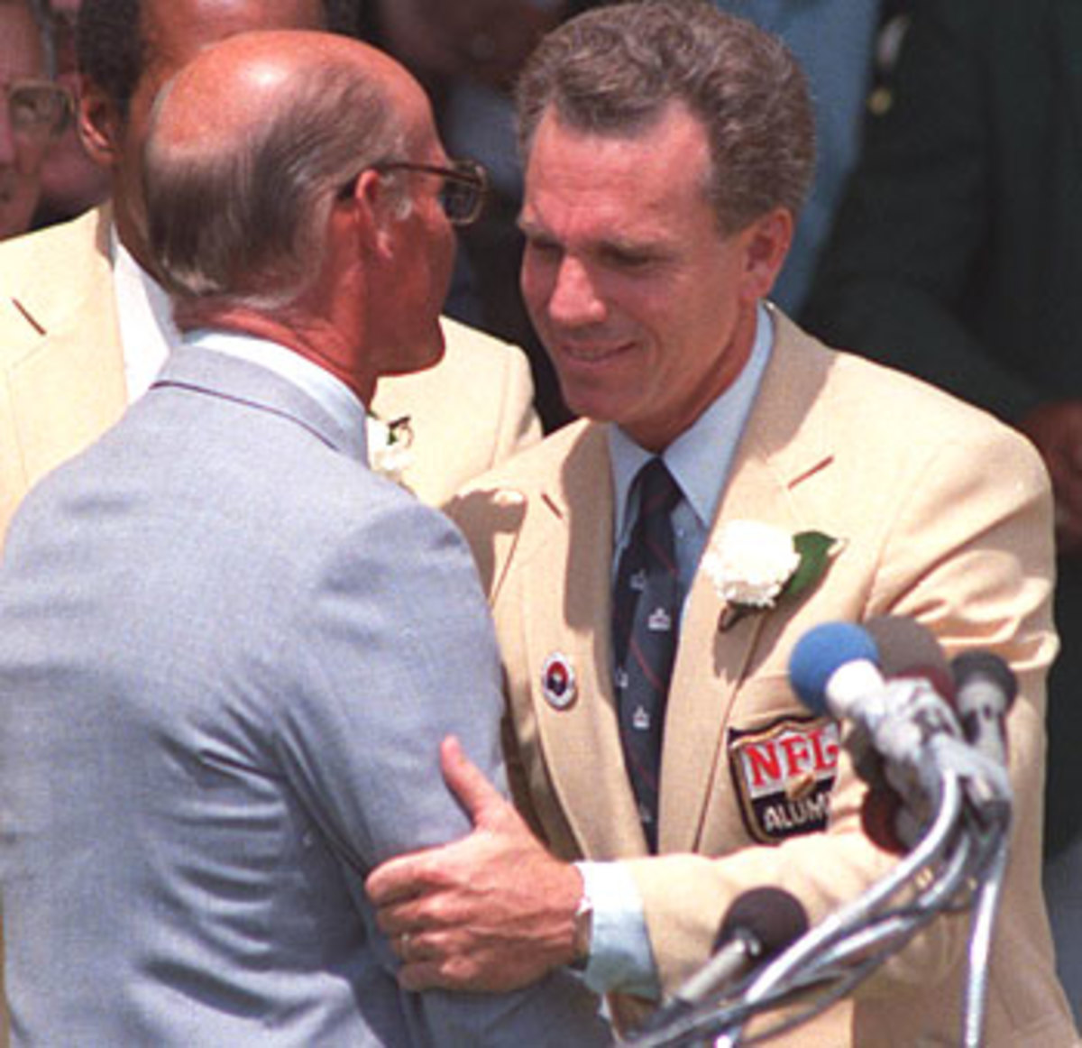 Roger Staubach being introduced by Tom Landry at Hall of Fame Induction.