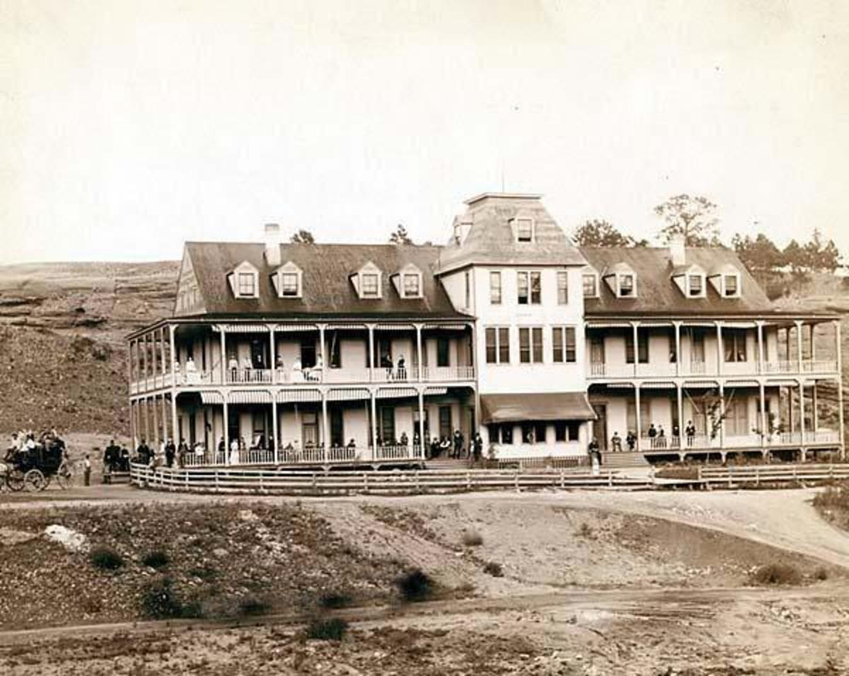 Hotel Minnekahta in the Dakota Territory