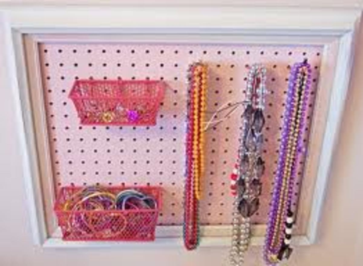 Great for jewelry organization too.