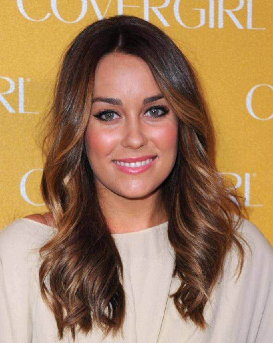 Lauren Conrad's makeup with light brown hair and blue eyes
