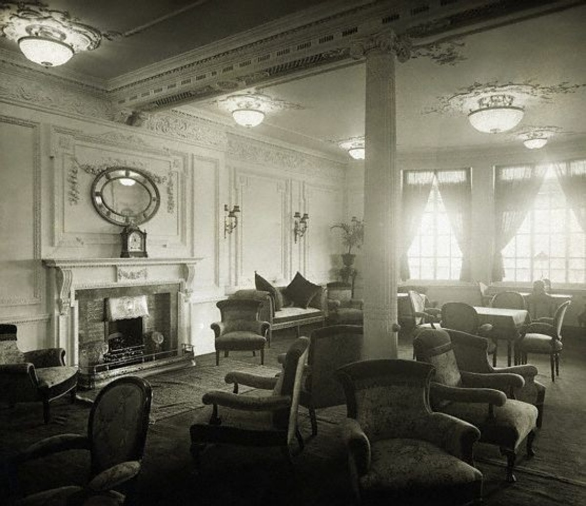 Reading and Writing Room on the A-Deck aboard Titanic