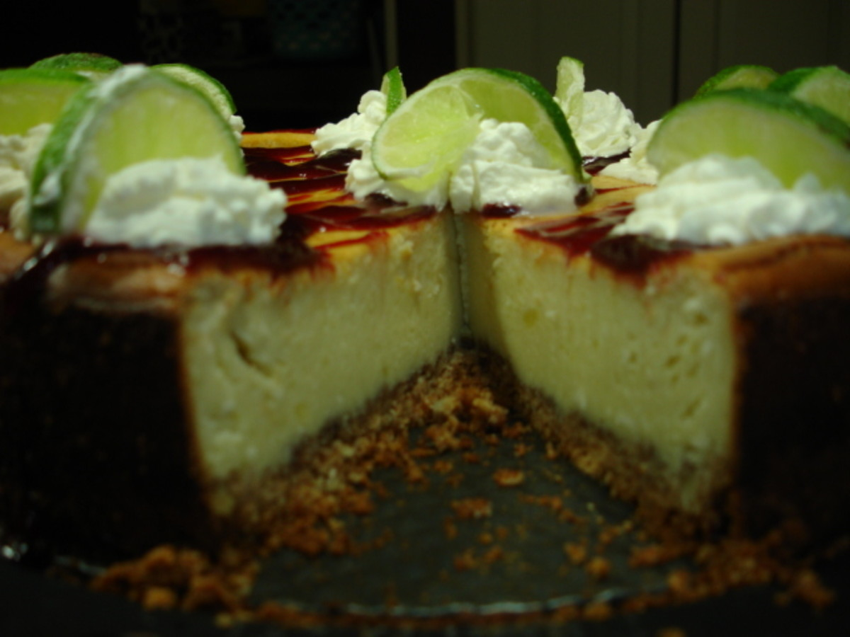 Recipe Pappadeaux's Key Lime Pie with Rasberry Sauce