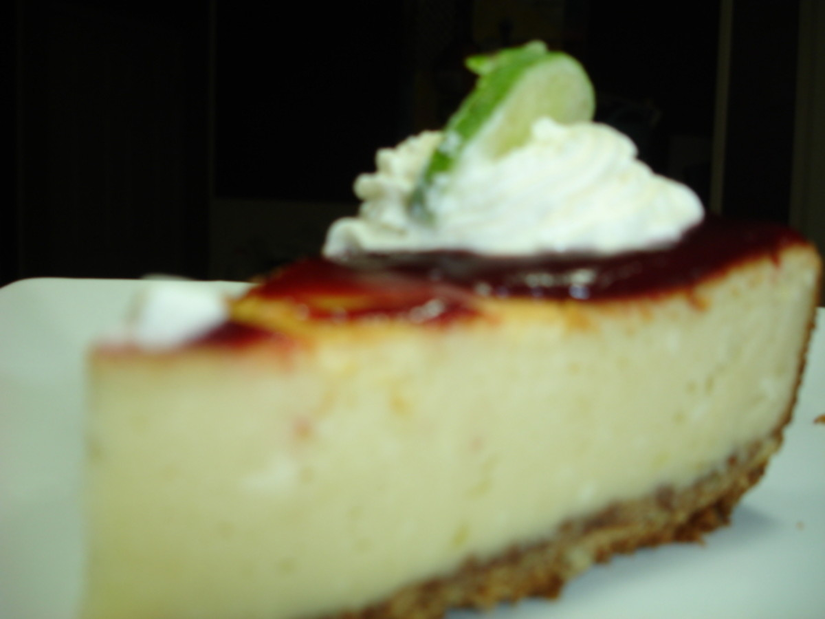 Pappadeaux Key lime pie with raspberry sauce