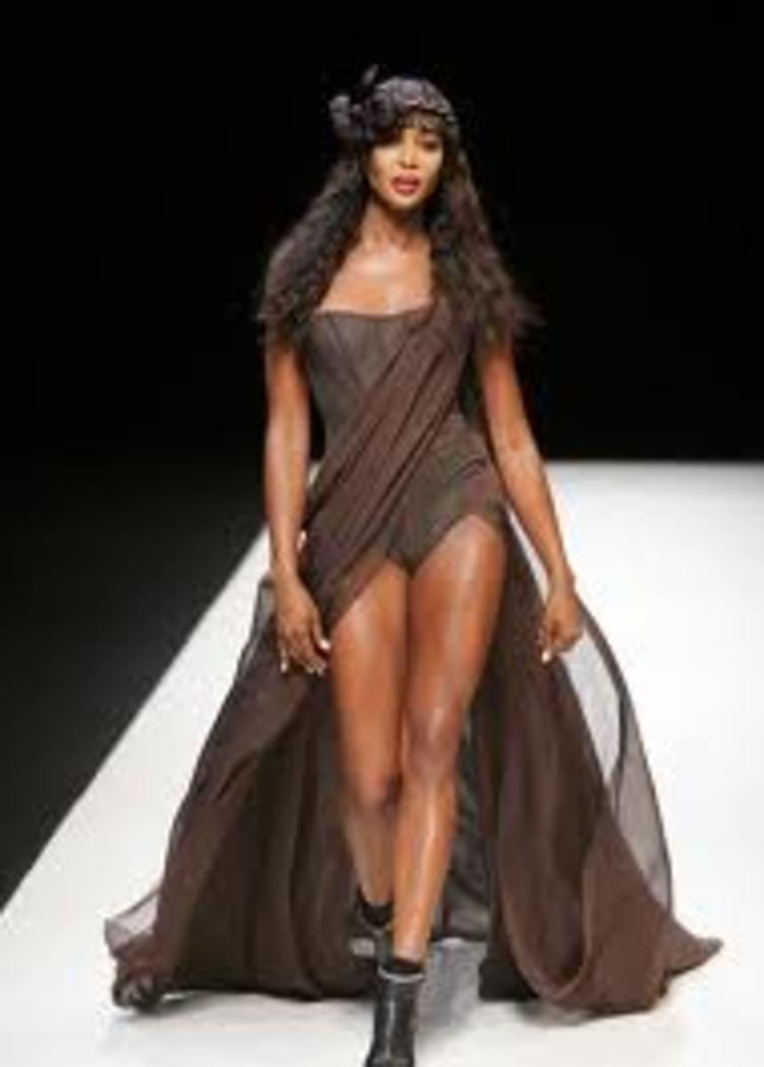 Tall Celebrity Women - Naomi Campbell
