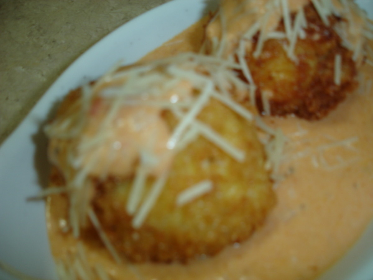 Cheeaecake factory Fried mac and cheese balls