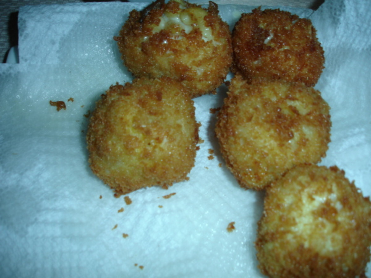 Frying your Cheesecake factory Fried mac and cheese balls.