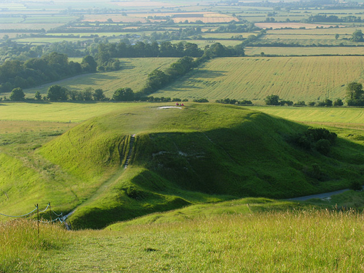 "Dragon Hill near Uffington. This hill on the eastern side of ""The Manger"", is in the north western section of the square, here viewed from the white horse, looking more or less north west."