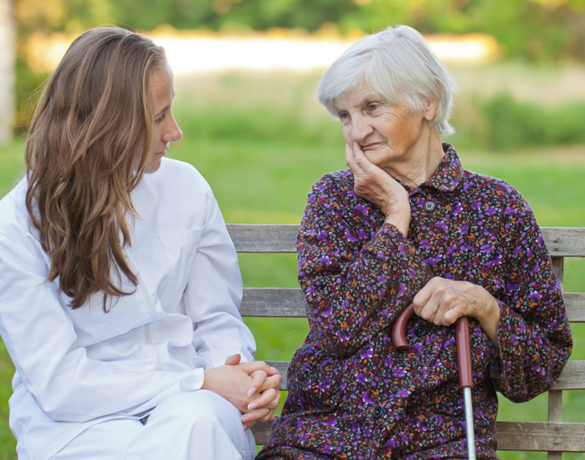 How to Care for an Elder With Senile Dementia