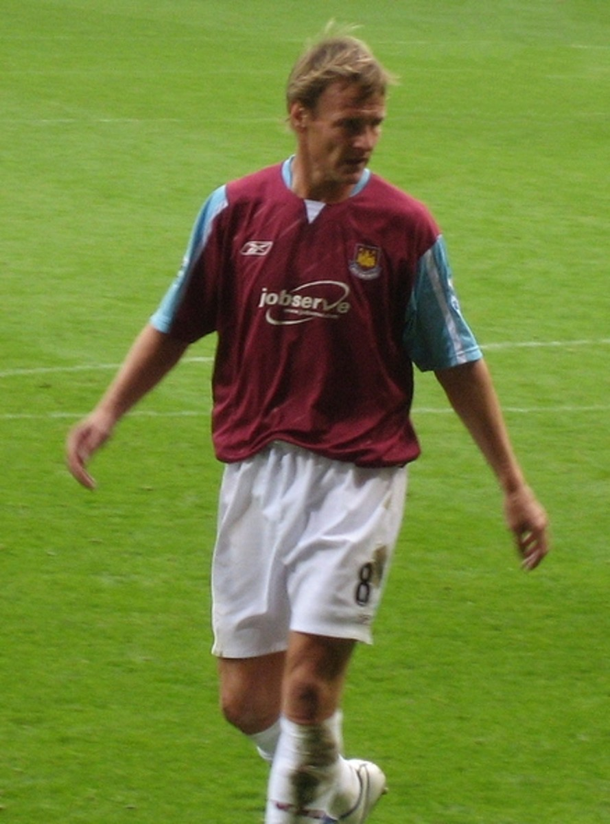 Teddy Sheringham- seen here playing for West Ham, started off the 92/93 season with Nottingham Forest before moving to Tottenham. He finished as top scorer, netting 22 goals.