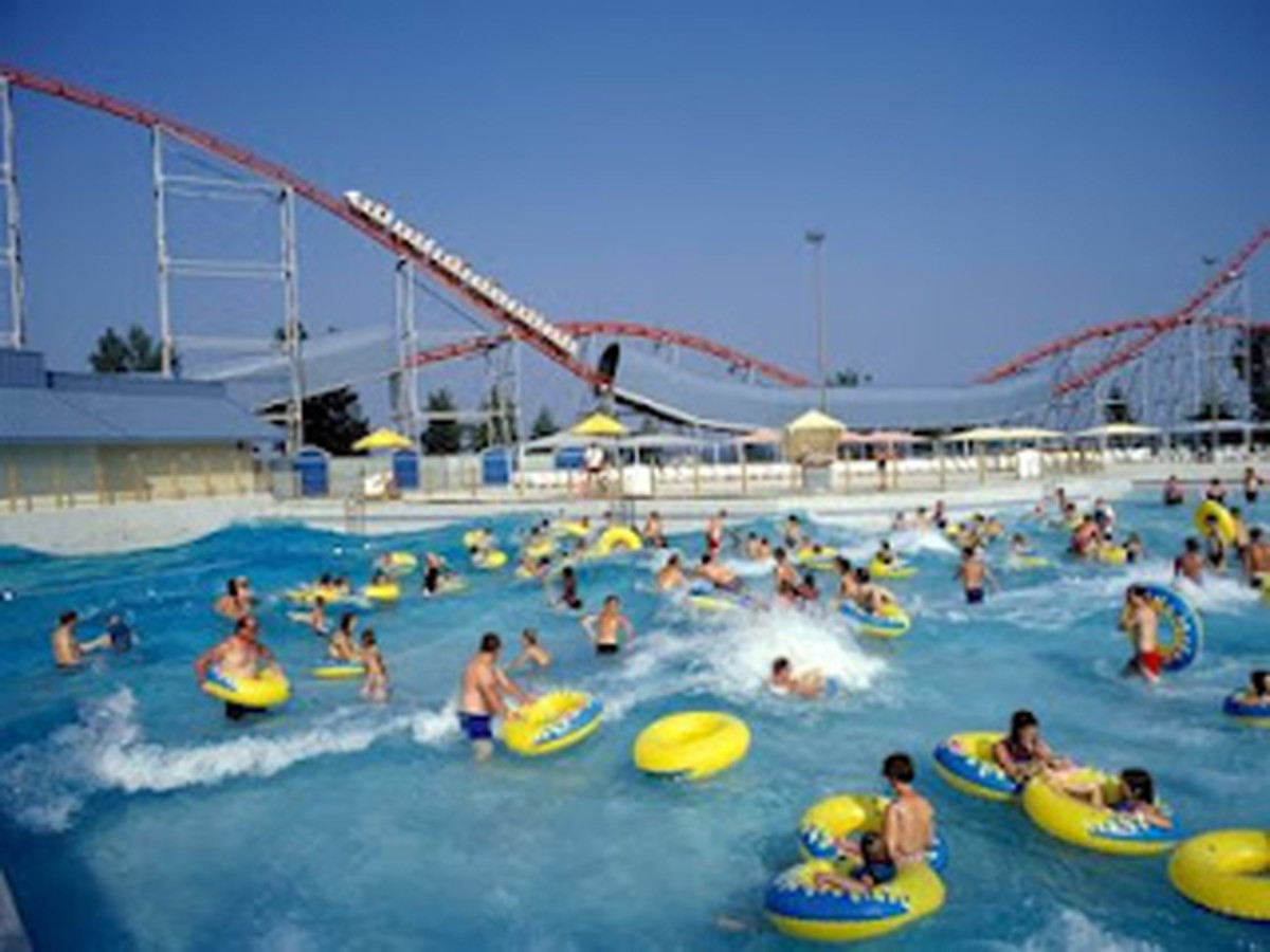 Sandcastle water park, Pennsylvania