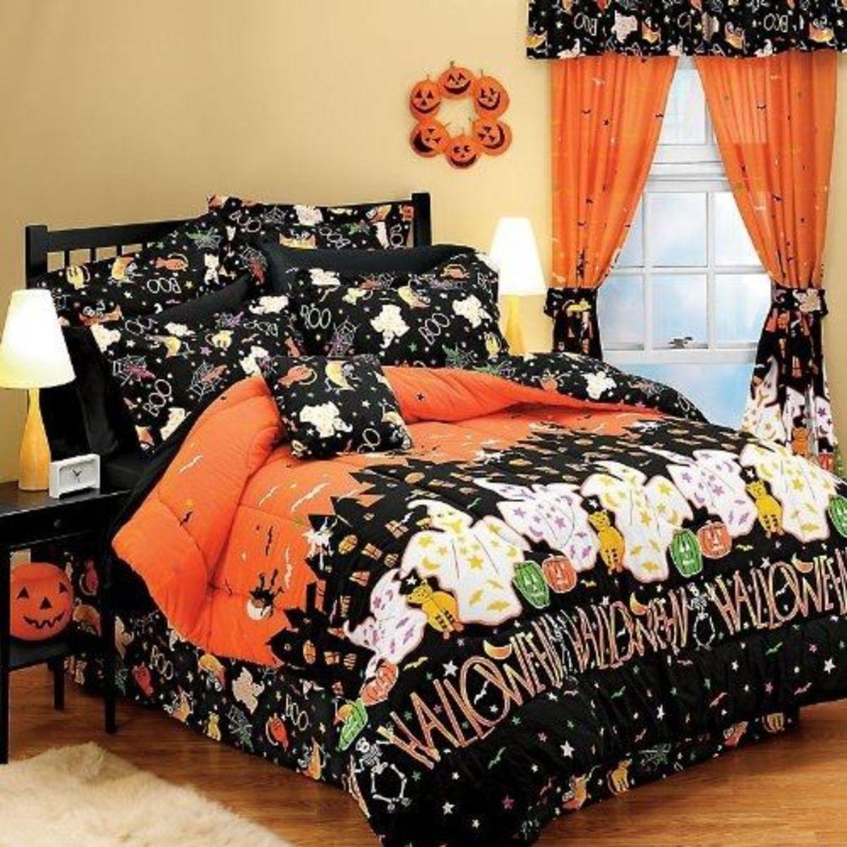 Halloween Haunted House Twin Comforter Set