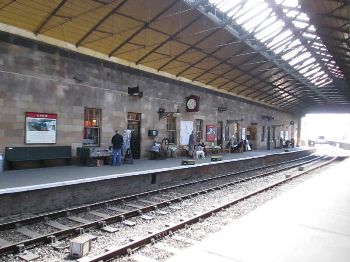 Under the trainshed roof now, a view of the 'up' platform (Malton and York, and at one time Scarborough via Forge Valley and Helmsley via Kirkbymoorside - pron. 'Kirbymoorside)