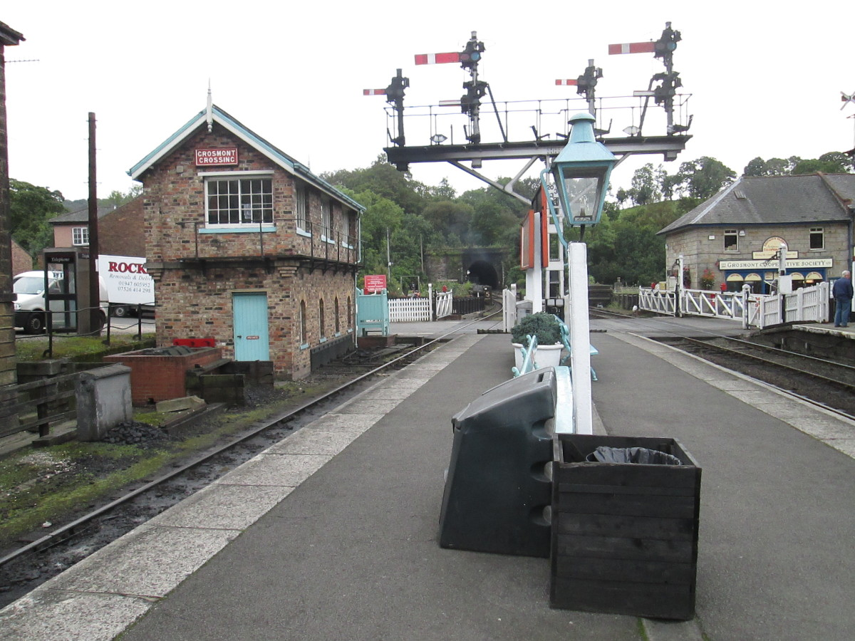 The four 'doll' bracket signal on the 'Up' platform with the signal cabin behind to the left.