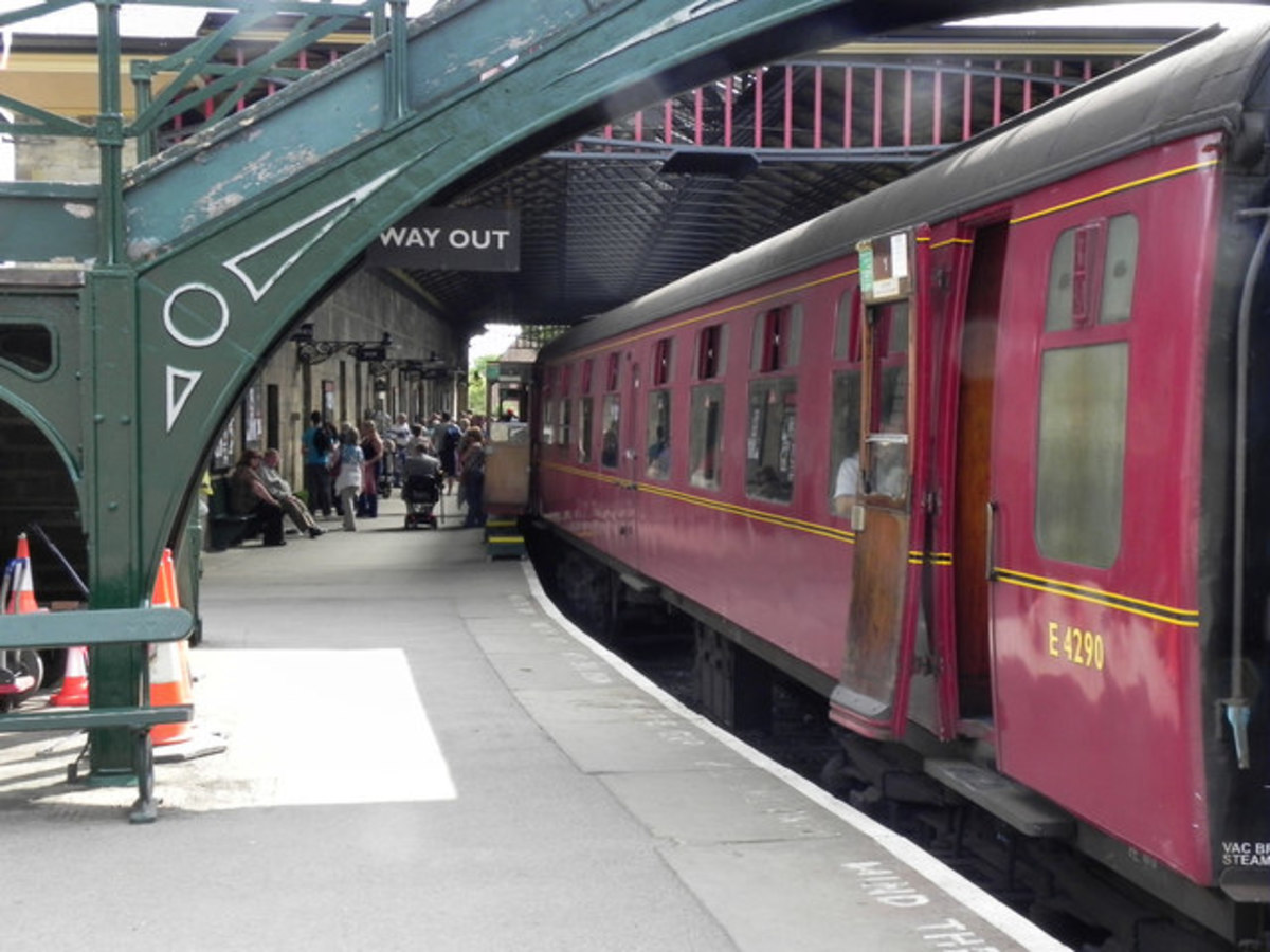 Pickering Station - a rake of British Railways' Eastern Region C1 carriages in post-1956 maroon livery awaits its locomotive for the next return working north to Grosmont or Whitby