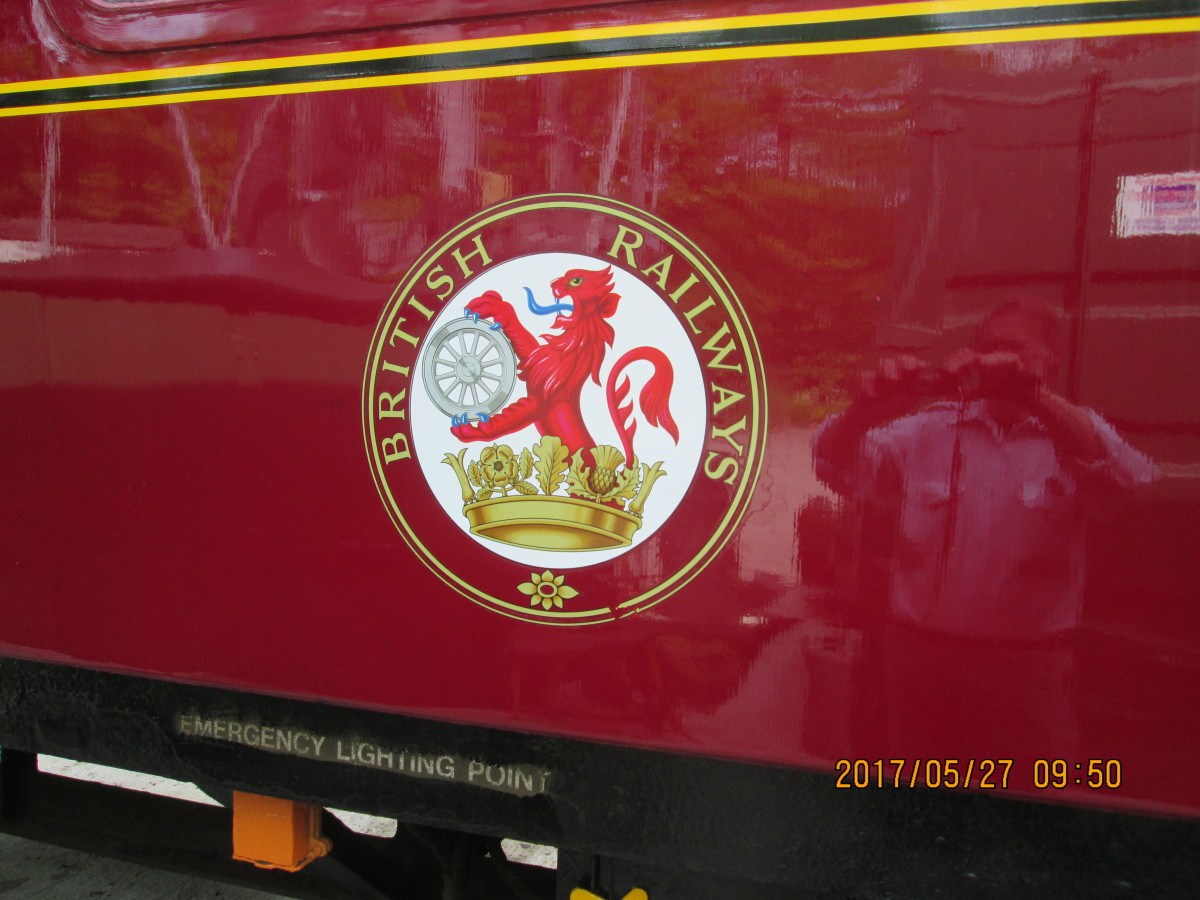 A close-up of the carriage-side roundel transfer showing ownership. This was the 1955 livery after early 1948 crimson and cream (known affectionately by railwaymen as 'blood-and-custard')