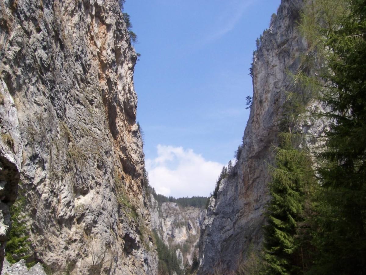 The Trigrad Gorge