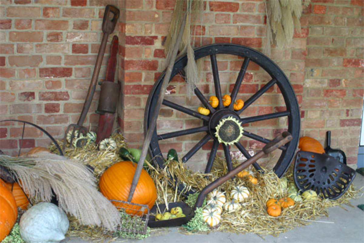 Decorating Your Yard for the Fall Season